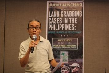 Mr. Fred Villareal of the National Union of Journalists of the Philippines discussing his book review.